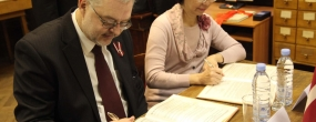 National libraries of Taiwan and Latvia signed an agreement to develop collection of the Taiwan Sinology Resource Center. Photo by Beāte Knikste